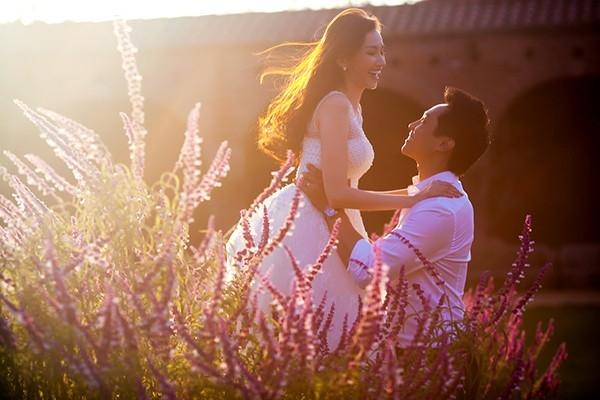 Để chuẩn bị cho bộ ảnh cưới thật đẹp và độc đáo, cặp đôi không ngần ngại mời nhiếp ảnh nổi tiếng sang Mỹ thực hiện. - Tin sao Viet - Tin tuc sao Viet - Scandal sao Viet - Tin tuc cua Sao - Tin cua Sao