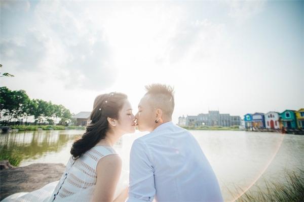 Nụ hôn lãng mạn của cặp trai tài gái sắc. - Tin sao Viet - Tin tuc sao Viet - Scandal sao Viet - Tin tuc cua Sao - Tin cua Sao