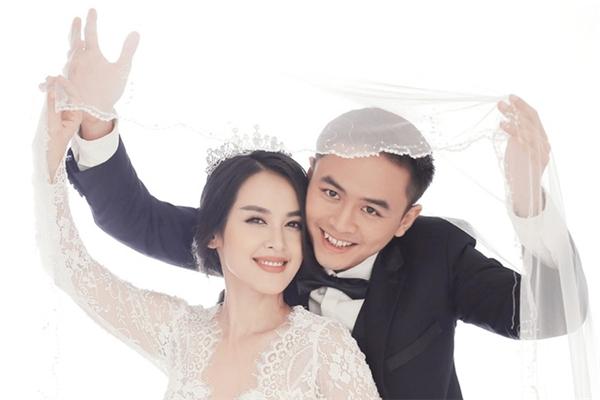 Ngày 7/11, Tú Vi và Văn Anh đã chính thức tổ chức đám cưới tại một nhà ở hàng ở TP HCM. - Tin sao Viet - Tin tuc sao Viet - Scandal sao Viet - Tin tuc cua Sao - Tin cua Sao