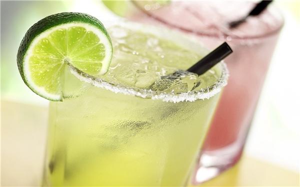 Tác hại khi uống quá nhiều nước chanh