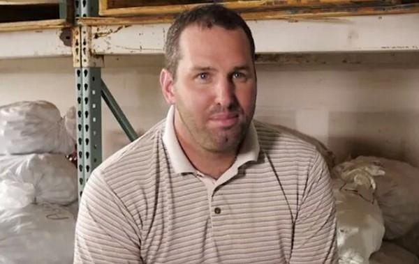 Hiện tại, ở bang Florida có khoảng 100 người làm công việc mò bóng chơi golf dưới hồ nước như anh Glenn.