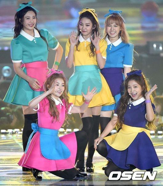 Red Velvet xuất sắc giành giải Nhóm nhạc nữ nhảy đẹp nhất.