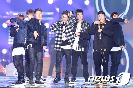 Dù gây ra khá nhiều scandal trong thời gian qua nhưng vẫn không thể phủ nhận tài năng của iKon. Tân binh nhà YG đã nhận về giải Nghệ sĩ nam mớixuất sắc nhất.