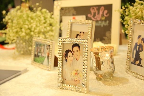Nhiều ảnh cưới của cặp đôi được trưng bày. - Tin sao Viet - Tin tuc sao Viet - Scandal sao Viet - Tin tuc cua Sao - Tin cua Sao