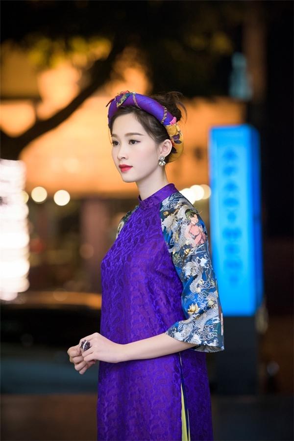 Hoa hậu Thu Thảo nổi bật trong tà áo dài cách tân. - Tin sao Viet - Tin tuc sao Viet - Scandal sao Viet - Tin tuc cua Sao - Tin cua Sao