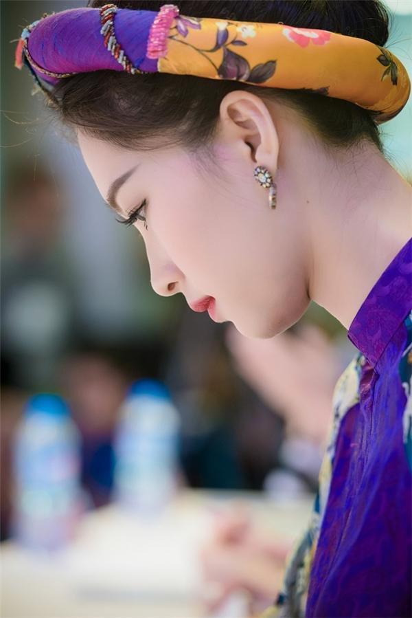 Cận cảnh nhan sắc nghiêng nước nghiêng thành của Hoa hậu Việt Nam 2012. - Tin sao Viet - Tin tuc sao Viet - Scandal sao Viet - Tin tuc cua Sao - Tin cua Sao