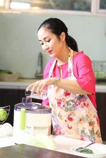 Ốc Thanh Vân chia sẻ bí quyết trẻ hóa làn da tuổi 30