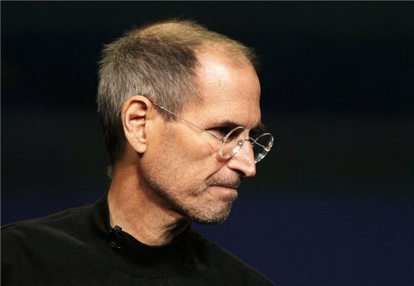 """""""Hãy cứ khát khao. Hãy cứ dại khờ""""-Steve Jobs. (Nguồn: Internet)"""