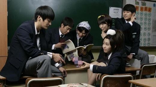 Để có được tấm vé danh giá vào đại học, các học sinh cấp 3 Hàn Quốc hầu như phải học ngày, học đêm.(Ảnh: Internet)