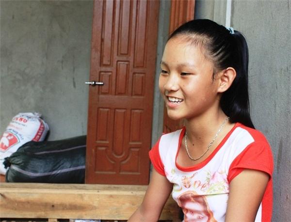 Ước mơ của Vân Anh là sau này trở thành một bác sĩ giỏi. Ảnh: Phạm Hòa.