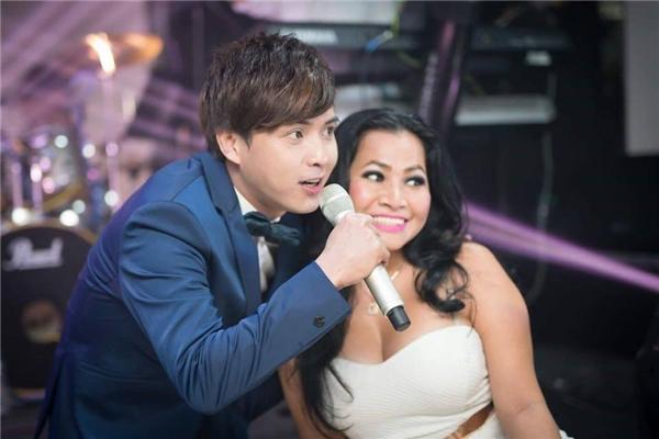 Tuy ít xuất hiện với truyền thông, báo chí nhưng Hồ Quang Hiếu là một trong những ca sĩ đắt show bậcnhất hiện nay. - Tin sao Viet - Tin tuc sao Viet - Scandal sao Viet - Tin tuc cua Sao - Tin cua Sao
