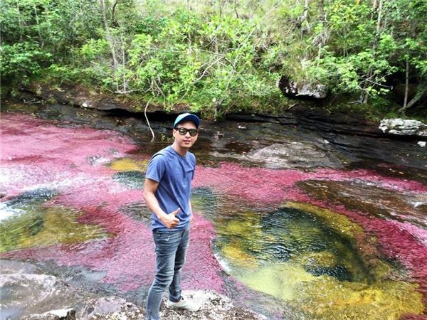 Hồ Quang Hiếu quyết tâm lội nước để tắm sông 7 màu - Tin sao Viet - Tin tuc sao Viet - Scandal sao Viet - Tin tuc cua Sao - Tin cua Sao