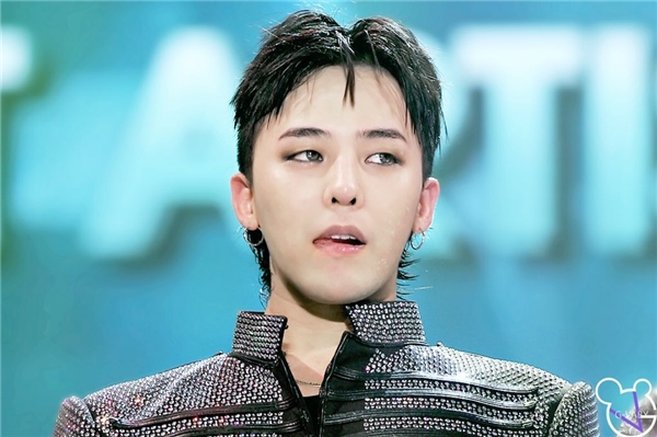 Không chỉ T.O.P mà các thành viên còn lại của Big Bang cũng khiến nhiều khán giả tức giận với thái độ thờ ơ.
