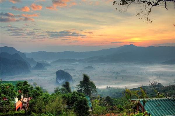 Phu Lang Ka rất xa biển, do đó, hơi thở của cuộc sống miền núi sẽ vây lấy bạn mỗi phút giây.(Ảnh: Internet)