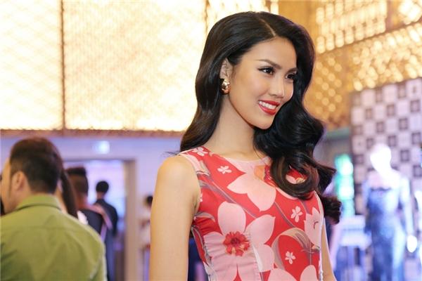 """Dù được đánh giá cao nhưng Lan Khuê lại từ chối trả lời về mục tiêu mà mình đặt ra tại Hoa hậu Thế giới 2015: """"Khuê muốn giữ riêng điều này như một bí mật, động lực để Khuê có thể cố gắng và phấn đấu hết mình...""""."""