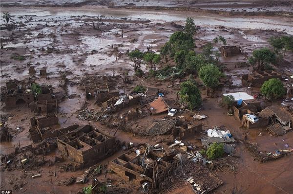 Thảm họavỡ đập kinh hoàng tại Brazil. (Ảnh: Internet)