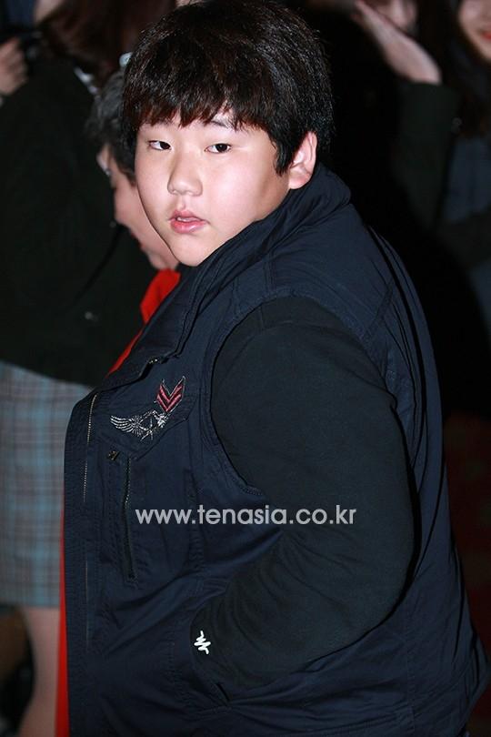 Sao nhí Yang Han Yeol cũng có mặt chung vui cùng các tiền bối.