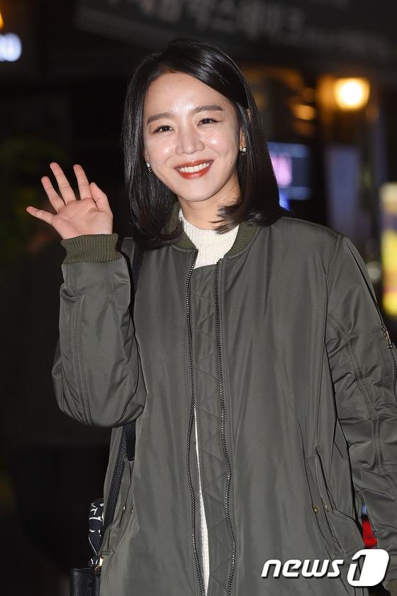 Dù phim kết thúc nhưng chắc hẳn khán giả sẽ không thể quên được cặp đôi đáng yêuKim Joon Woo - Han Sul do Park Yoo Hwan và Shin Hye Sun thủ diễn.