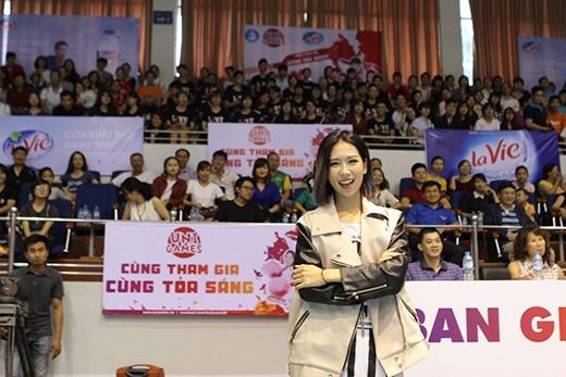 Min S.T319 cùng các fans tại Cheerdance Hà Nội.