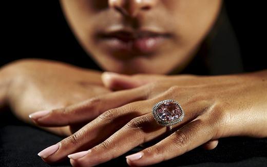 Chiếc nhẫn kim cương hồng. (Ảnh: Internet)