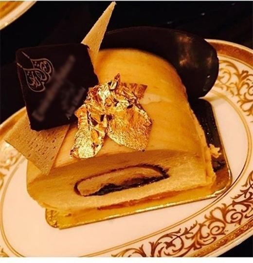 Chiếc bánh dát vàng mà Hồ Ngọc Hà đăng tải trên trang cá nhân. - Tin sao Viet - Tin tuc sao Viet - Scandal sao Viet - Tin tuc cua Sao - Tin cua Sao