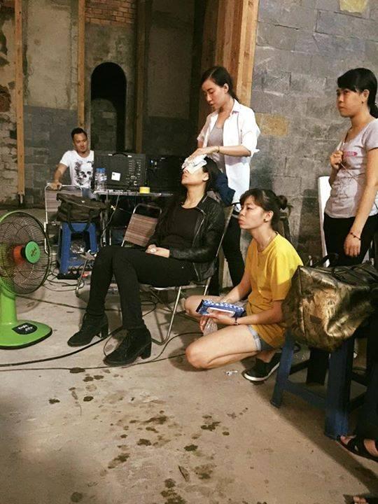 Trương Ngọc Ánh cũng chia sẻ đóng phim hành động, mà bị thương là chuyện bình thường. - Tin sao Viet - Tin tuc sao Viet - Scandal sao Viet - Tin tuc cua Sao - Tin cua Sao