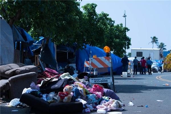 Liên đoàn Tự do dân sự Mĩ (American Civil Liberties Union) đã đệ đơn kiện hội đồng thành phố do hủy tài sản thu được của người vô gia cư trên đường phố một cách trái phép.(Ảnh: Rex Moribe)
