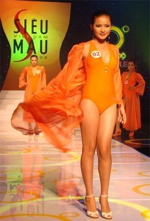 Người đẹp từng lọt vào top 10 Hoa hậu Thế giới người Việt 2007, top 5 Siêu mẫu Việt Nam 2008 và giành giải người mẫu triển vọng, thế nhưng Phan Như Thảo vẫn cháy bỏng ước mơ được một lần mặc áo dài trên đấu trường sắc đẹp quốc tế. - Tin sao Viet - Tin tuc sao Viet - Scandal sao Viet - Tin tuc cua Sao - Tin cua Sao