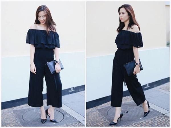 Áo trễ vai, một trong những trào lưu bán chạy ở mùa thu 2015 được giọng ca 32 tuổi ứng dụng hiệu quả. Cách phối màu theo tông đạt đúng tiêu chí thời trang tối giản đang thịnh hành.