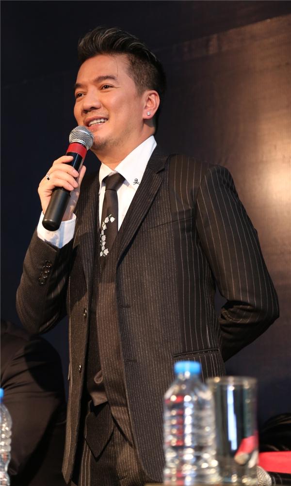 Đàm Vĩnh Hưng lịch lãm nhận giải Nghệ sĩ xuất sắc nhất châu Á 2015 - Tin sao Viet - Tin tuc sao Viet - Scandal sao Viet - Tin tuc cua Sao - Tin cua Sao