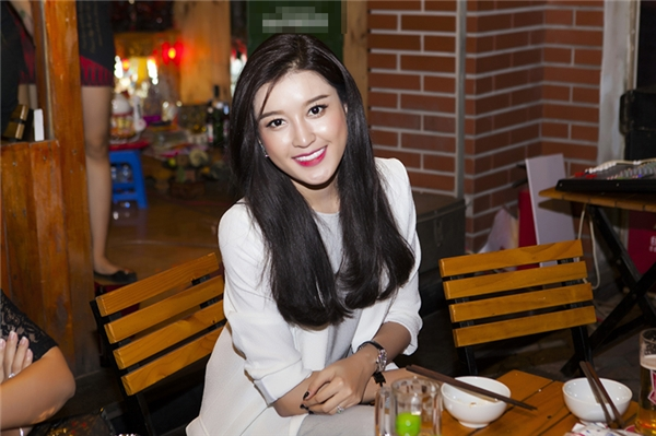 Mĩ nhân showbiz Việt gây chú ý bởi vẻ xinh đẹp rạng ngời. - Tin sao Viet - Tin tuc sao Viet - Scandal sao Viet - Tin tuc cua Sao - Tin cua Sao