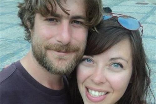 Michael O'Connor và bạn gái. Ảnh:dailyrecord