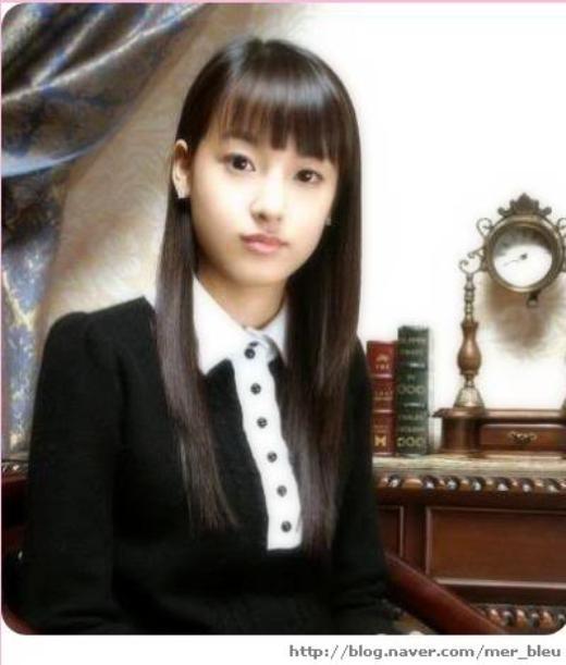 Nhan sắc của Jooyeon-cựu thành viên After School- hoàn toàn xứng đáng được xếp vào hàng ngũ hot girl ở trường trung học. Đây cũng là một trong những lído nữ thần tượng được ủng hộ khi tin đồn côhẹn hò với tài tử So Ji Sub xuất hiện.
