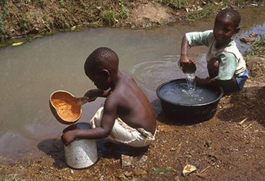 Nhiều khu vực trên thế giớiđang thiếu nước ngọttrầm trọng. (Ảnh: Internet)