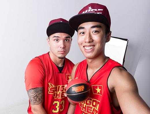 Tuấn Tú (bênphải) được kìvọng sẽ tỏa sáng giống như đồng hương Việt Arnold trong màu áo Saigon Heat.