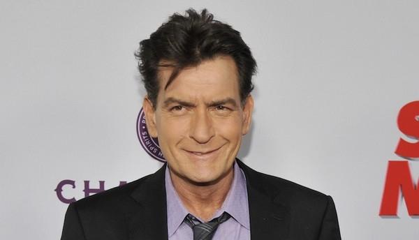 Charlie Sheen đã nhiễm HIV