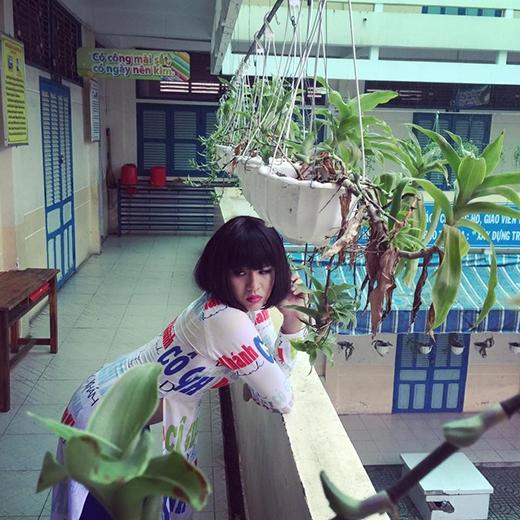 Bộáo dài đặc biệt được cô giáo Khánh diện trong tập cuối.