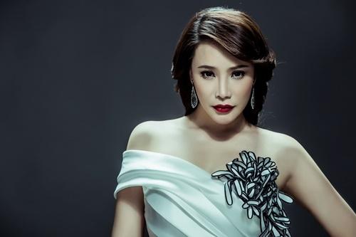 Bên cạnh đó nữ ca sĩ còn giành một số giải thưởng nước ngoài như Cúp vàng giải Liên hoan âm nhạc quốc tế mùa xuân Bình Nhưỡng, với 29 quốc gia tham dự và quy tụ hơn 800 nghệ sĩ được tổ chức vào năm 2004. - Tin sao Viet - Tin tuc sao Viet - Scandal sao Viet - Tin tuc cua Sao - Tin cua Sao