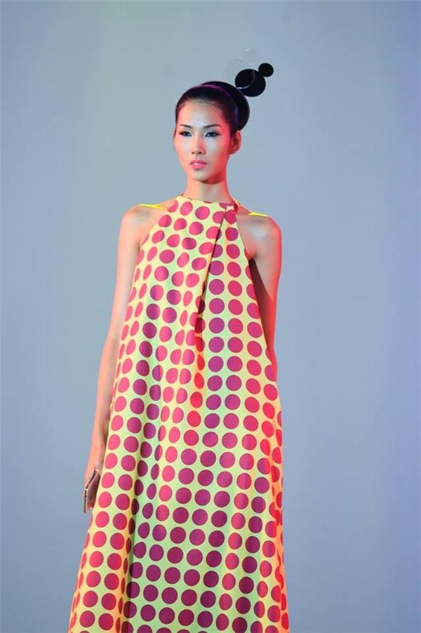 Hoàng Thùy trong bộ sưu tập nhà thiết kế Đỗ Mạnh Cường sáng tạo riêng cho một thương hiệu nổi tiếng thế giới.