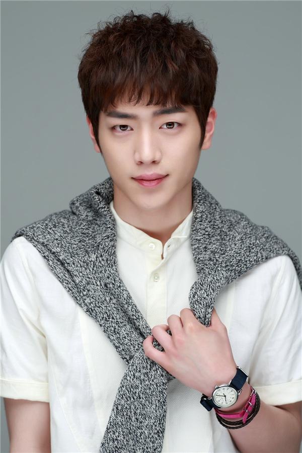 Với gương mặt điểntrai, Seo Kang Joon đang là một trong những nam thần mới màn ảnh Hàn chiếm trọn trái tim khán giả nữ.