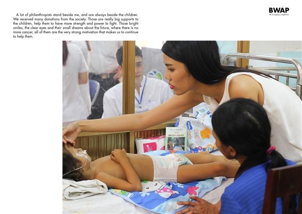 Những khoảnh khắc tronghành trình thiện nguyện được Lan Khuê ghi lại và thực hiện thành bộ sách ảnh mang tên #Chungtaycungkhue. - Tin sao Viet - Tin tuc sao Viet - Scandal sao Viet - Tin tuc cua Sao - Tin cua Sao