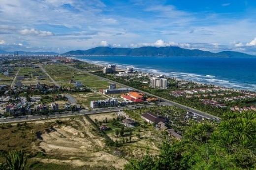 Nếu chán những con đường đồi núi ghồ ghềthì bạn có thể tìm đến với thành phố biển của Việt Nam.(Ảnh: Buzzfeed)