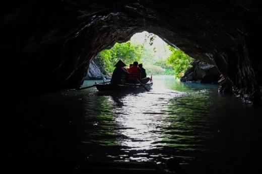 ... hang động tại Tràng An - Ninh Bình...(Ảnh: Buzzfeed)