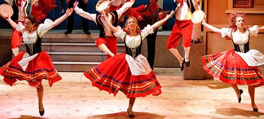 Đến điệu nhảy Tarantella nhịp nhàng.