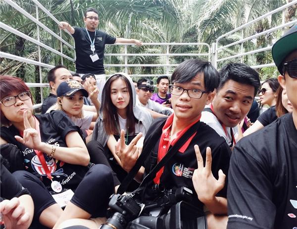 Phương Ly có dịp hội ngộ đàn anh trong chuyến đi đến Malaysia. - Tin sao Viet - Tin tuc sao Viet - Scandal sao Viet - Tin tuc cua Sao - Tin cua Sao