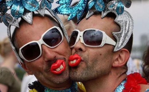 """""""Các bạn có thấy đôi môi của chúng mình 'gợi cảm' không?"""". (Ảnh: Internet)"""