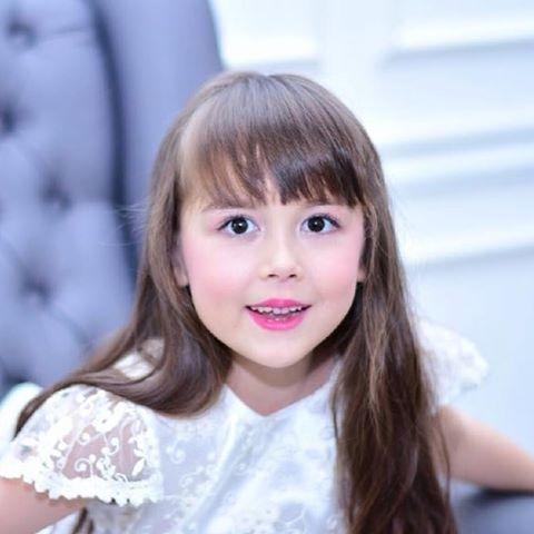 Vẻ đẹp Tây của cô con gái nhỏ đáng yêu.