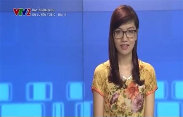 Mai Phươngcòn được mời giảng dạy ôn luyện TOEIC trên truyền hình.(Ảnh: Internet)