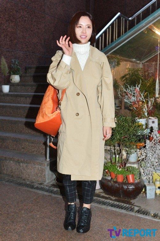 Xem ra Hwang Jung Eum xem trọng sự thoải mái hơn là tính thời thượng của bộ đồ.