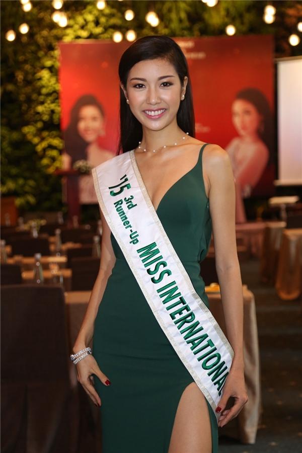 Á khôi Thúy Vân đã tạo nên kì tích khi đạt danh hiệu á hậu 3 của cuộc thi Hoa hậu Quốc tế 2015. - Tin sao Viet - Tin tuc sao Viet - Scandal sao Viet - Tin tuc cua Sao - Tin cua Sao
